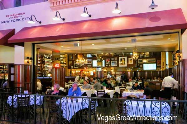 Carmines Restaurant At Caesars Palace Forum S